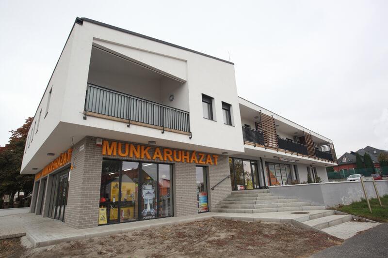 Győr, József Attila utca-Szabadi sarok